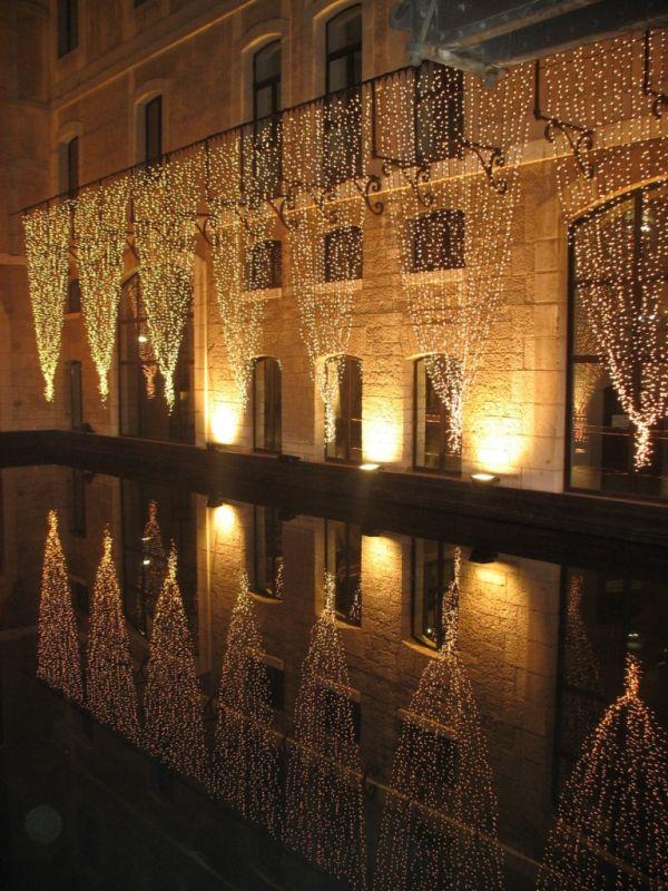 Rideaux lumineux led d corations de no l lyon vosta - Illumination exterieur noel ...